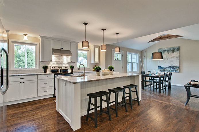 Photo showcasing a kitchen remodel in Greenwich, Connecticut.